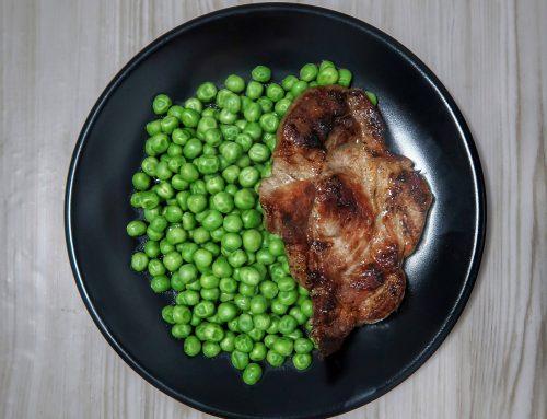 Healthy Plates – Ceafă de porc la grătar cu mazăre